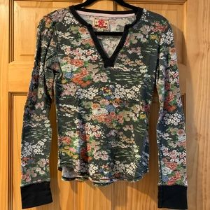 Vintage Lucky Brand Thermal Floral Top. Medium